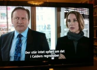 Neil Dudgeon som kriminalkommissær Barnaby og Ann Eleonora Jørgensen som den danske efterforsker, der skal hjælpe Barnaby i afsnit 100 af den populære serie.