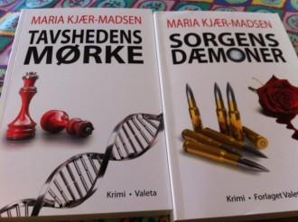 Snup Sorgens dæmoner som opvarmning til Tavshedens mørke, der klart er den bedste af Maria Kjær-Madsens krimier.