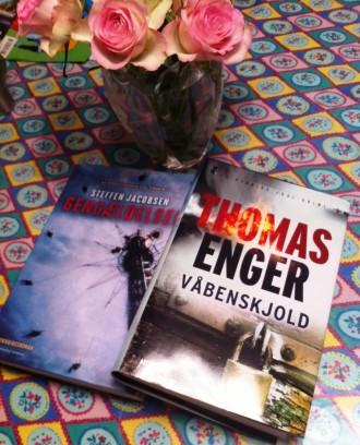 Jeg er fan af både Steffen Jacobsen og Thomas Enger og glæder mig meget til deres nye bøger. Gengældelsen udkommer i morgen. Våbenskjold, der er fjerde bog i Henning Juul-serien, udkommer 17. oktober.