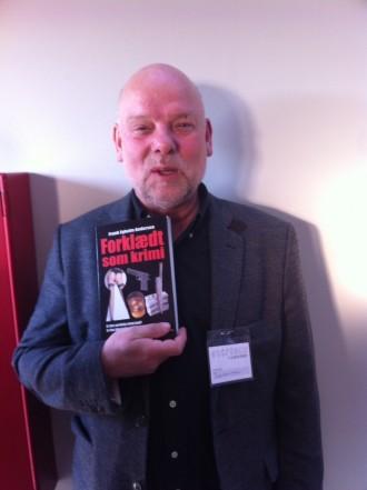 Fik god krimisnak med Frank Egholm Andersen, der har skrevet fagbøger om krimigenren.